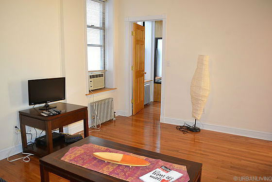 apartment-44th-street-sunset-park-living-room-G13