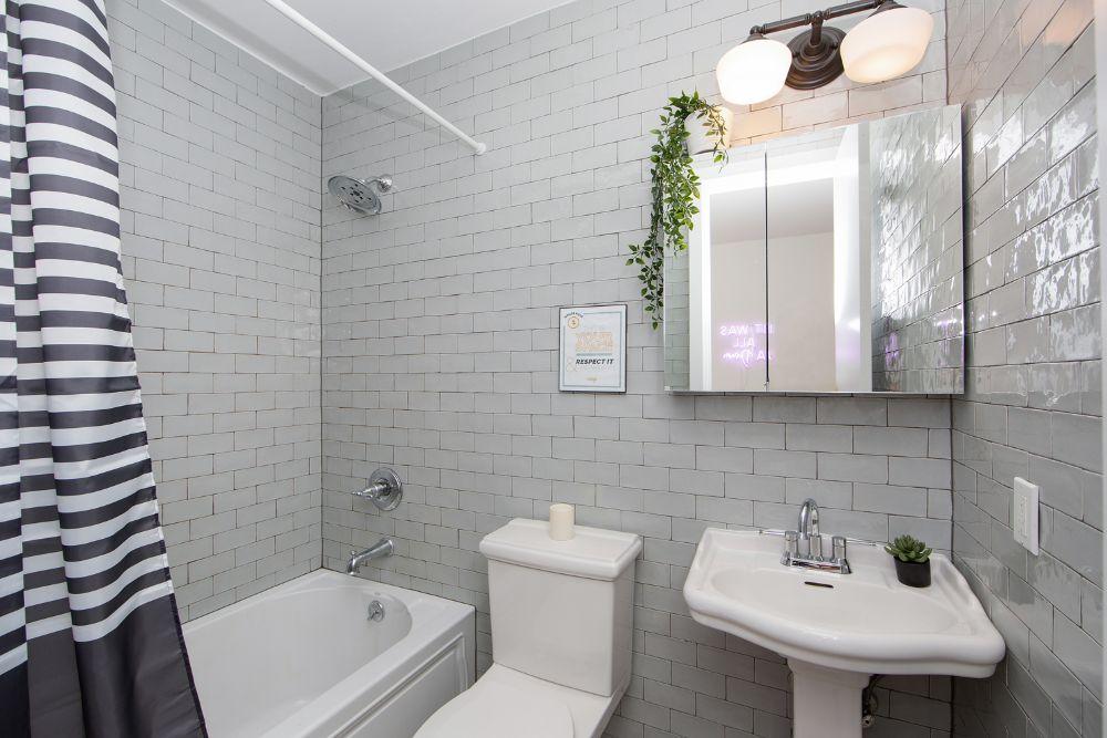 235-himrod-street-2r-bathroom