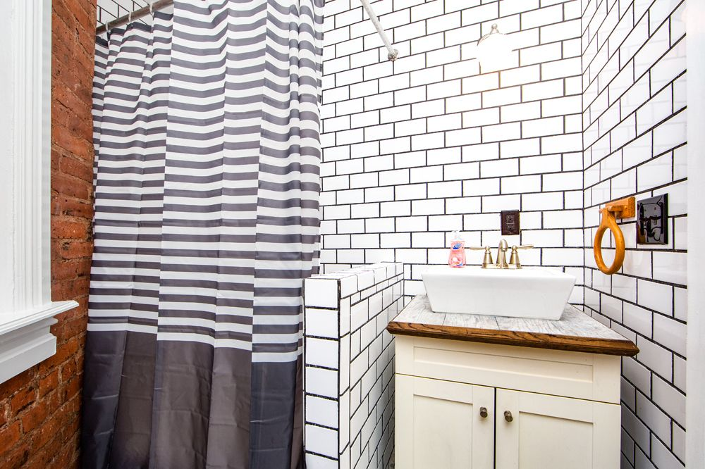 662-madison-street-3l-bathroom-a