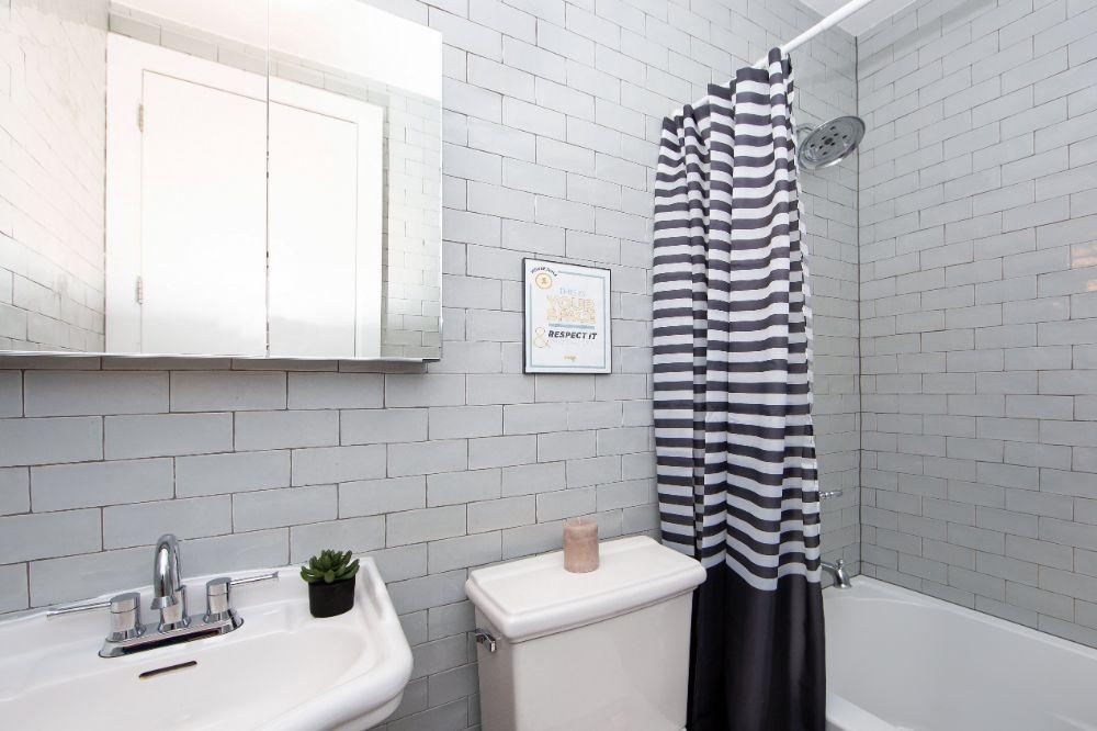 235-himrod-street-2l-bathroom-min