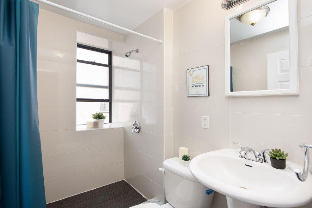 15-west-107th-street-61-bathroom-1-min