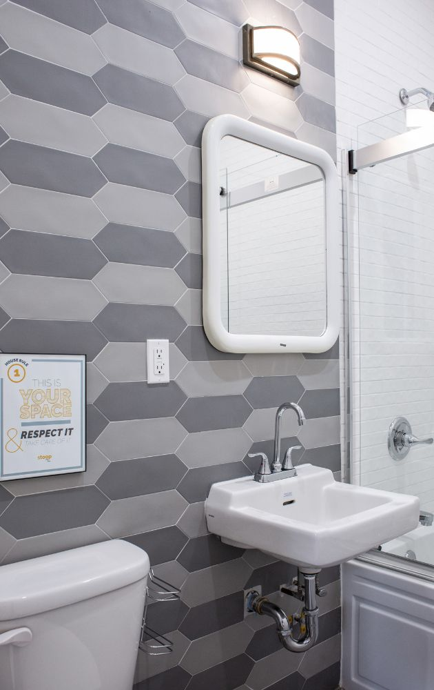 503-grandview-avenue-1l-bathroom-1